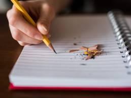 Kirjoittavat Generalistit toteuttaa viestintää, eli kirjoittaa, kääntää, somettaa jne.